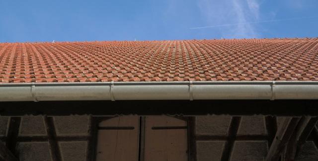 installation goutière var 83 - artisan david toiture sanary